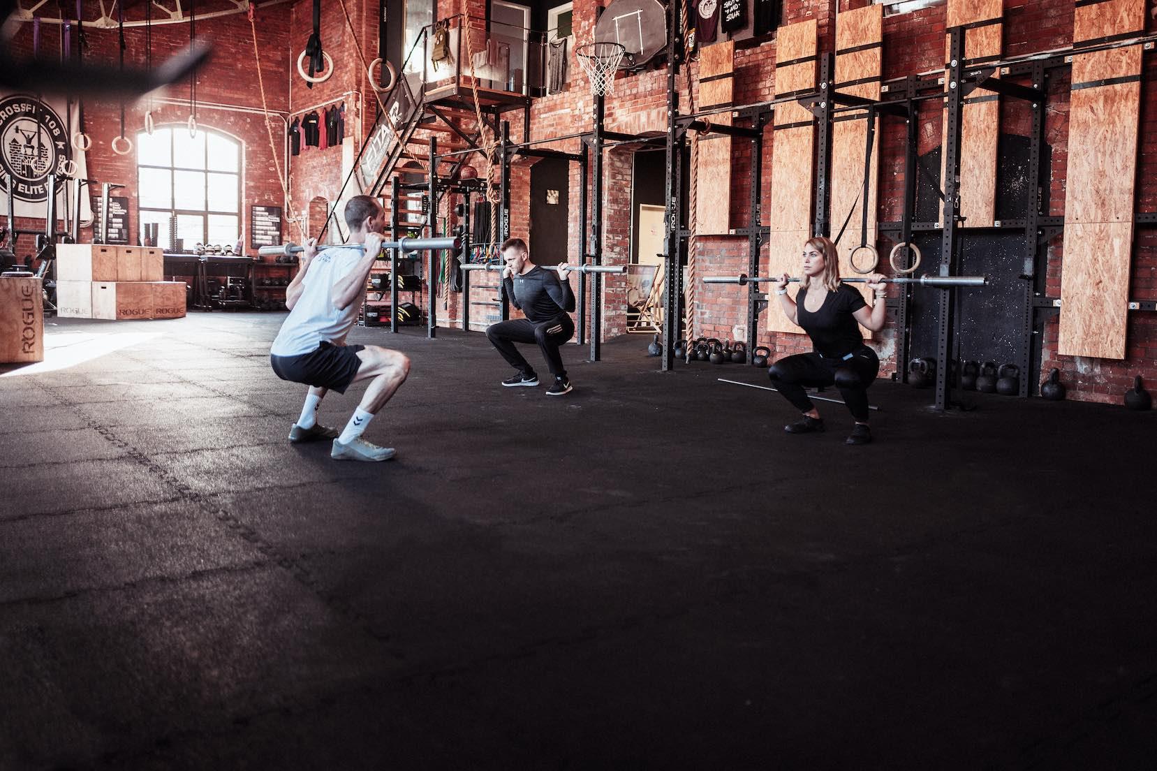 Training-Kreuzheben-Seitlich